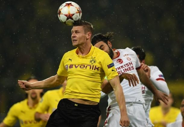 Borussia Dortmund Tak Diperkuat Lukaz Pizczeck Eanam Minggu